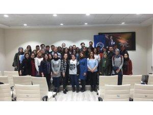 """Uşak Üniversitesinde """"Hayatıma Ses Ver"""" konferans düzenlendi"""
