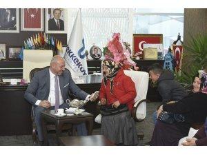 Başkan Togar tebrikleri kabul etti