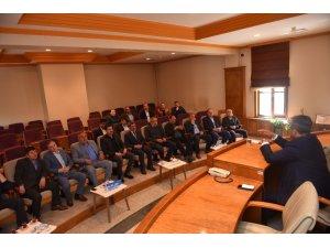 Başkan Çatal, mahalle muhtarları ile bir araya geldi