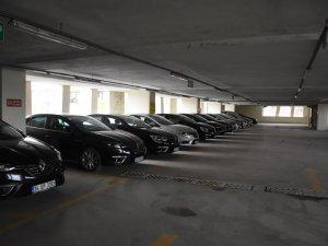 Düzce Belediyesinde tasarruf dönemi araçlarla başladı