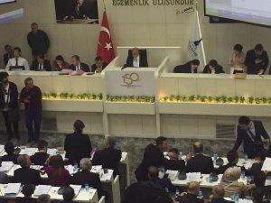 İzmir Büyükşehir Belediyesinin ilk meclisinde ihale kararı