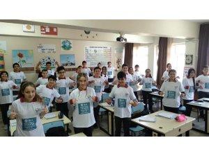 Soğucak Ortaokulu'nda uluslararası eğitim başarıları değerlendirildi