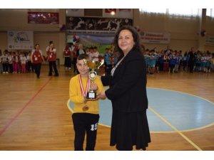 Ayvalık'ta 6. Geleneksel Çocuk Oyunları ödül töreni gerçekleştirildi