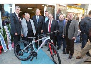 Efeler Belediyesine çift tekerlekli makam aracı: Bisiklet