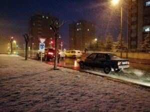 Konya'da Nisan ayında kar yağışı