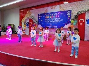 Yunusemreli çocuklar 23 Nisan'ı kutladı