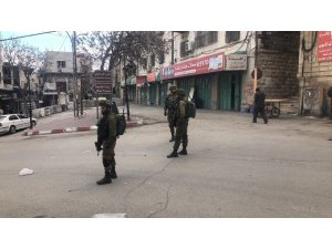 İsrail güçleri bayram kutlamaları için El Halil'in ana caddesini Filistinlilere kapattı