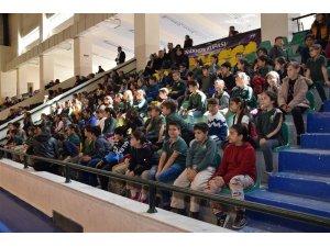 23 Nisan Ulusal Egemenlik Ve Çocuk Bayramı Spor Turnuvası ödülleri Edremit'te sahiplerini buldu