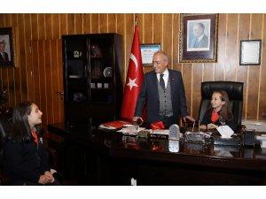 Atatürk Üniversitesinin yeni Rektörü Küçük Zeynep oldu