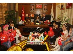 İl Başkanı Yıldız koltuğunu çocuklara devretti