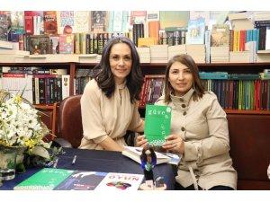 Yazar Mehpare Şayan Kileci imza gününde okurlarıyla buluştu