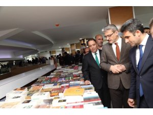 Bingöl Üniversitesi'nde 3. Kitap Fuarı açıldı