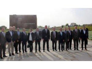 Bakan Ersoy'dan Troya Müzesi'ne ziyaret