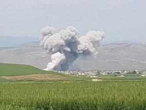 Rus savaş uçakları İdlib civarını bombaladı, 3 kişi öldü