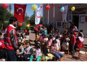 Anaokulu öğrencileri Kızılay'ın '23 Nisan Çocuk Festivali' ile eğlendi