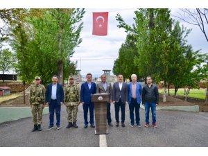 Vali Ünlü, Alican Sınır Karakolunu ziyaret etti