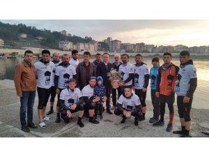 15 dragon bot sporcusu Türkeli'de karşılandı