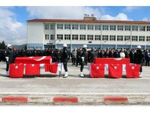 Kazada şehit olan polis memurları memleketlerine uğurlandı