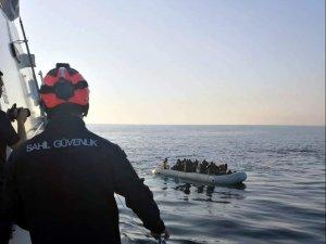 Yunan adalarına kaçmaya çalışan 29 göçmen Sahil Güvenlik devriyesine yakalandı
