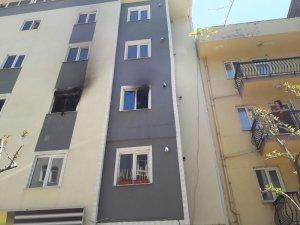 Isparta'da 5 katlı öğrenci apartında yangın