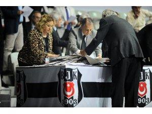 Beşiktaş'ta oylar sayılıyor