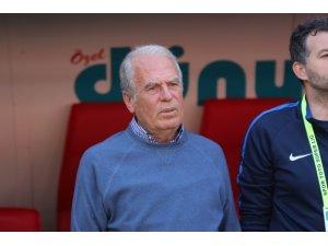 """Mustafa Denizli: """"Kaybetmeyi hiç düşünmediğimiz bir maçtı"""""""
