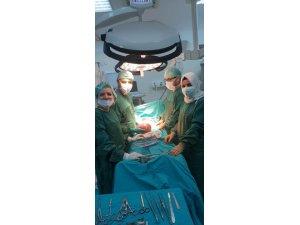 Hastanın karnından 3 kiloluk kist çıktı