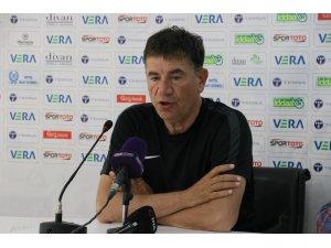 """Giray Bulak: """"Balıkesirspor'un sahiplenilmesi lazım"""""""