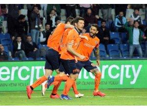 Spor Toto Süper Lig: Medipol Başakşehir: 2 - Ankaragücü: 1 (Maç sonucu)