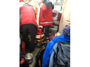 Rize'de yaralanan dağcıya 5 saatlik çalışma sonrası ulaşıldı