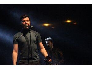 Ekin Uzunlar Samsun'da konser verdi