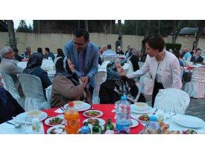 Alaşehir'de gaziler ve şehit yakınlarına iftar