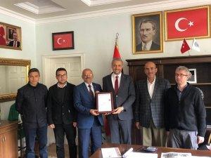 Başkan Biçer'e mezuniyet sürprizi
