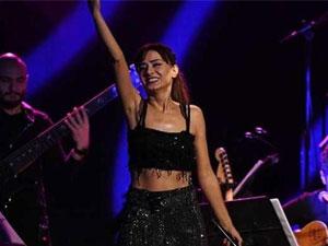 Yıldız Tilbe, Twitter hesabından konser gelirlerini paylaştı