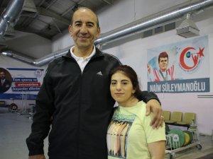 Maddi zorluklarla boğuşan haltercinin hedefi Türkiye şampiyonluğu
