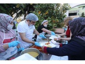 Bucalı annelere anlamlı iftar