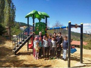 Hisarcık'ta köylere oyun parkı