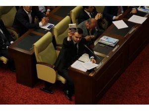 Büyükşehir belediye Meclisinde önerge tartışması