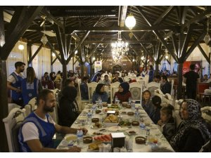 Türk ve Mülteci anneler ve çocukları Karabük'te iftarda bir araya geldi