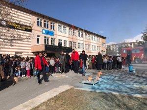 Develi'de Öğrencilere Yangın Eğitimi Verildi