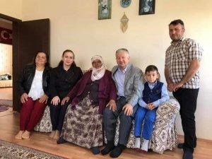 Kaymakam Duru Anneler Gününde Şehit Ailelerini Ziyaret Etti