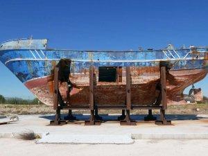 Yüzlerce insana mezar olan tekne Venedik'te sergileniyor
