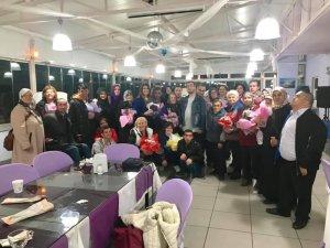 AK Partili kadınlardan annelere iftar yemeği
