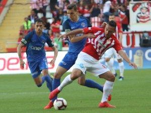 Antalyaspor'u, Doukara ve Mevlüt Erdinç sırtladı