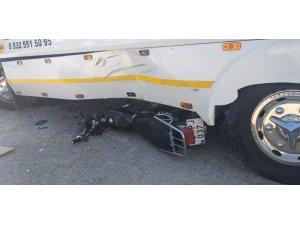 Çekici ile motosiklet çarpıştı: 2 ağır yaralı
