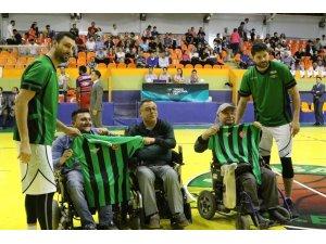 Akhisar Belediyespor yarı finalde