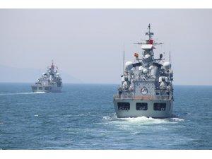 Denizkurdu tatbikatına katılan gemiler Çanakkale Boğazı'ndan geçiş yaptı
