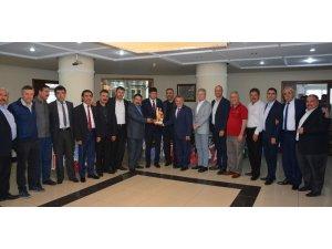AYESOB Yönetiminden Nazilli Belediye Başkanı Özcan'a 'hayırlı olsun' ziyareti