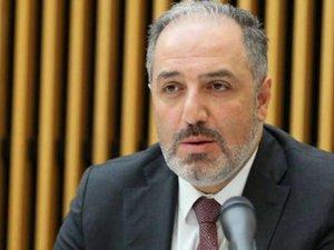 Hande Fırat 'istifa etti' demişti... AKP'li Yeneroğlu'ndan açıklama