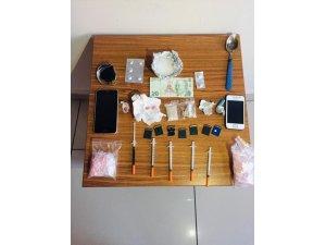Tuzla'da şüphe üzerinde durdurulan araçtan uyuşturucu çıktı